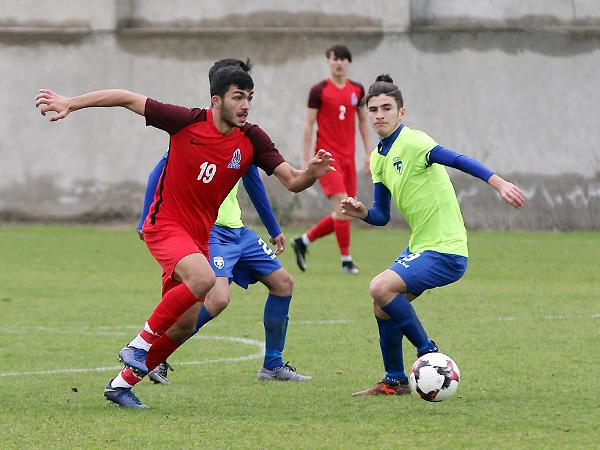 Millimizə İngiltərədən futbolçu dəvət edildi -